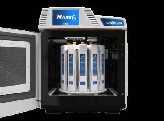 MARS 6微波消化器爐腔門開啟,內含iPrep超高效能微波消化瓶組