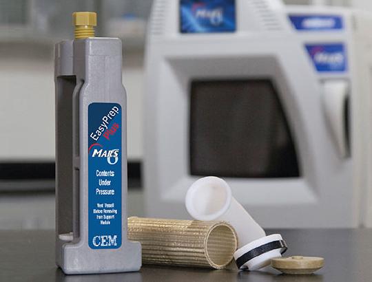 CEM EasyPrep系列瓶組照片,背景為MARS6微波消化器